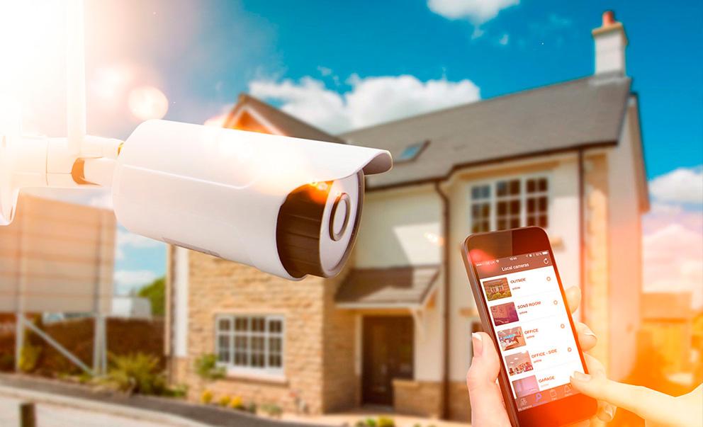 4 maneiras que um sistema de automação doméstica pode ajudá-lo a desfrutar ainda mais do verão